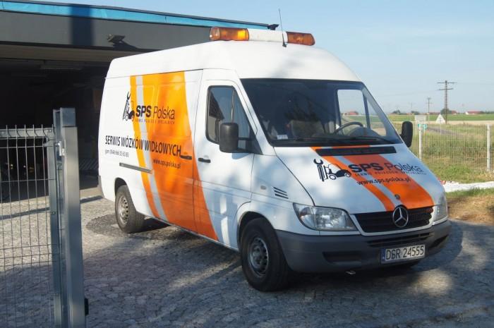 Oklejenie samochodu dla Serwisu Pojazdów Specjalnych – SPS Polska